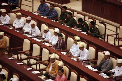 လႊတ္ေတာ္ႏိုင္ငံေရး၊ အေျခခံဥပေဒ ႏွင့္ ျပင္ဆင္သင့္တဲ့ အခ်က္မ်ား – politics and parliament