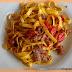 Tagliatelle con ragout di salsiccia e pomodorini