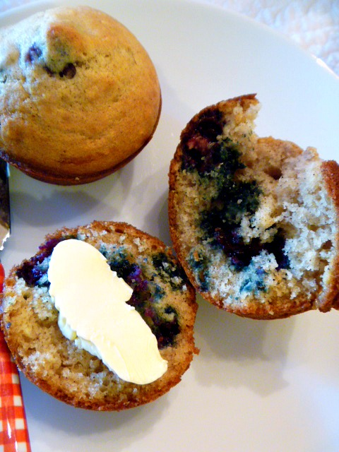 Slice of Southern: Cinnamon Blueberry Muffins