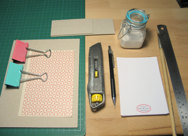 What you need to make an handmade notepad - tutorial