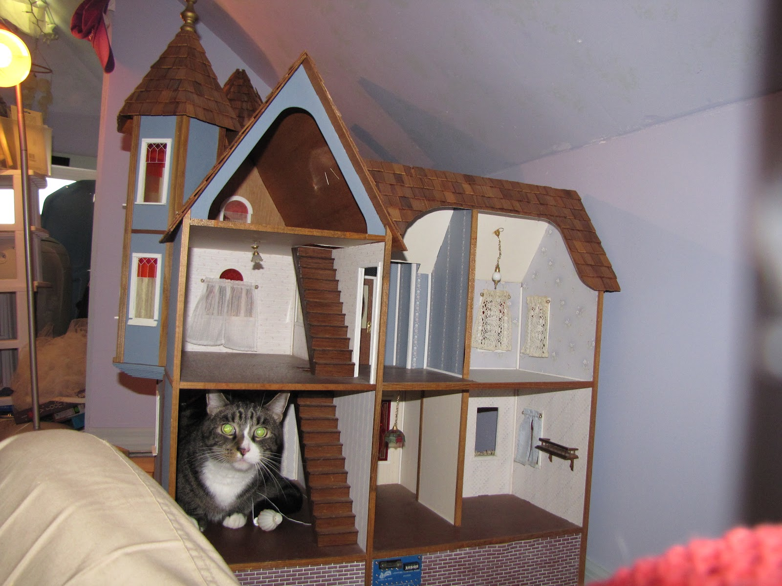 The Dollhouse Whisperer: House #21: The Dura Craft Queen Anne