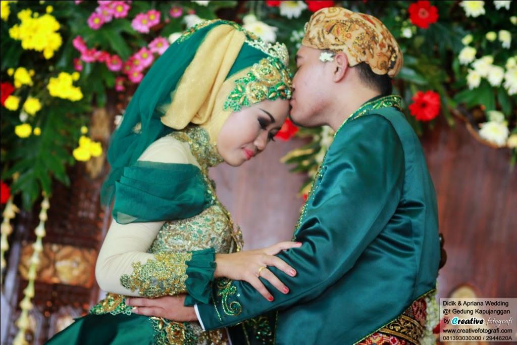 gaun baju pernikahan pengantin adat jawa muslim modern