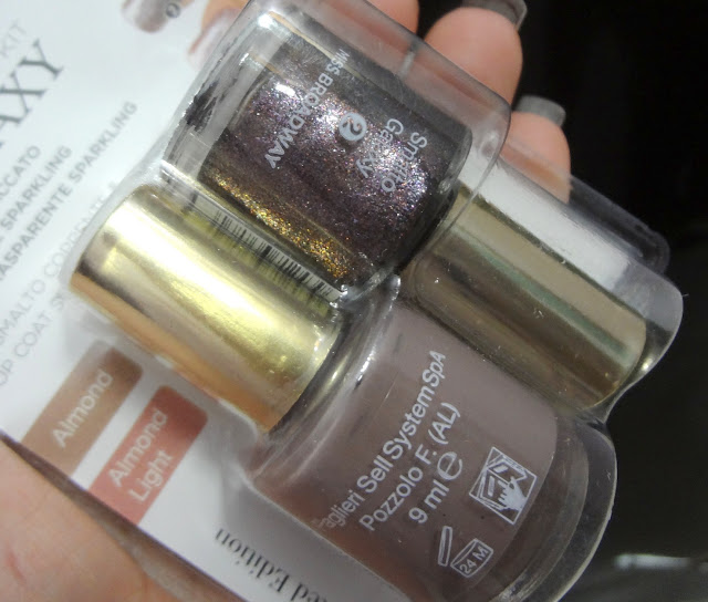 Nail Galaxy Kit Almond e Almond Light di Miss Broadway