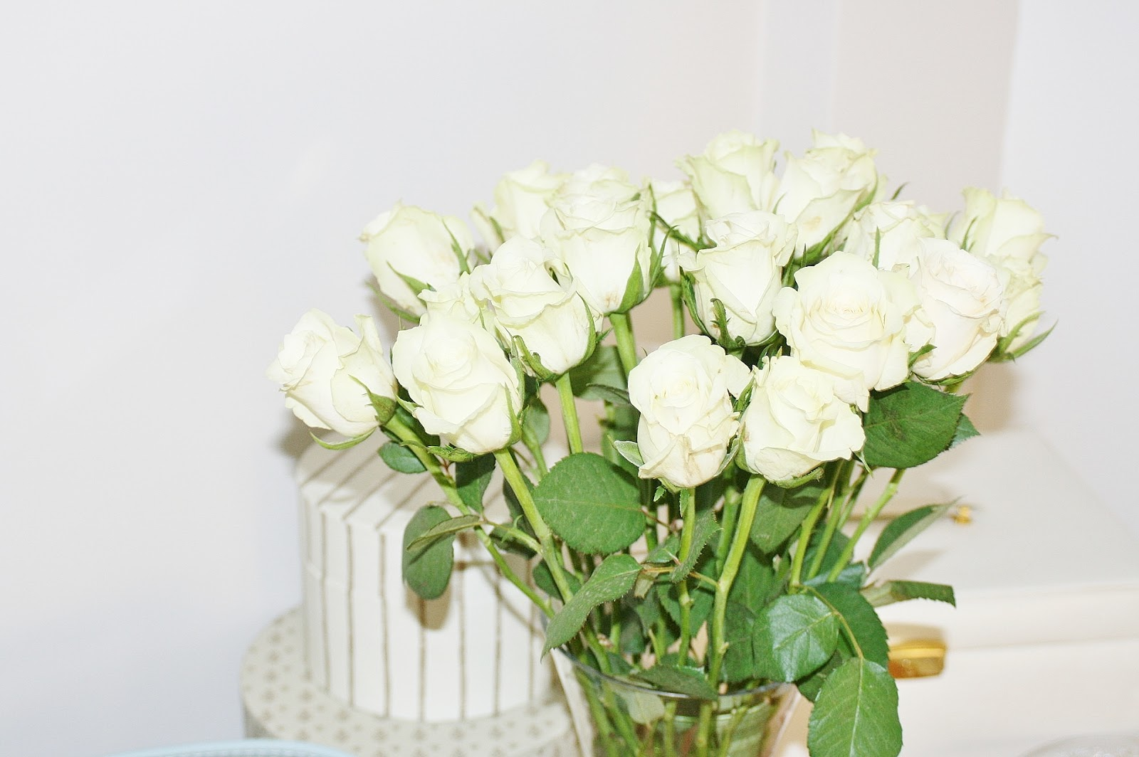 Katherine Penney Chic flowers white roses pretty cream photography