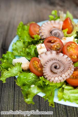 Sałatka z marynowaną ośmiornicą