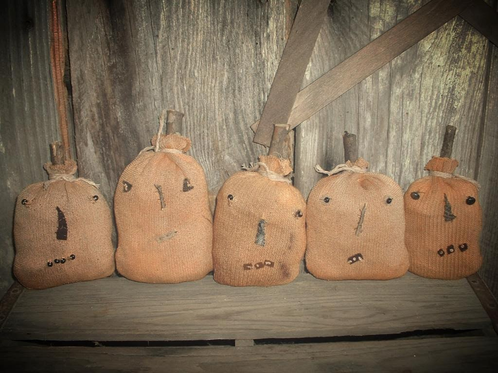 Primitive Christmas Decor Pinterest