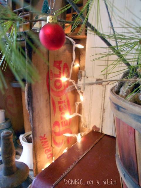Vintage Soda Crate for Christmas Decorating via http://deniseonawhim.blogspot.com
