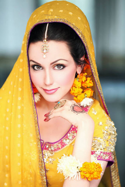 277734252Cxcitefun aisha linnea bridal mehndi 3 - Top Celebrity Fashion