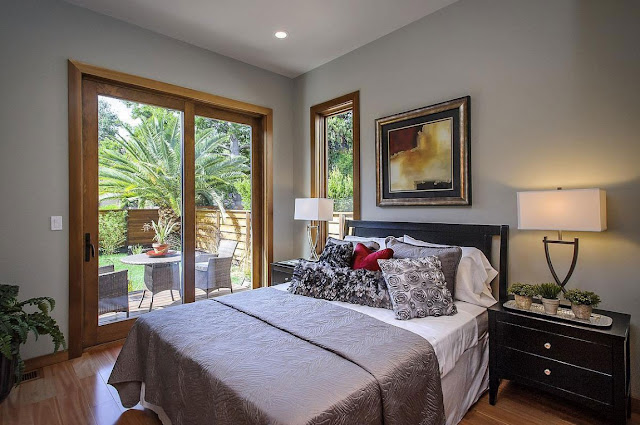 Small modern bedroom in the Contemporary Style Home in Burlingame