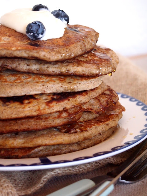geo does...: blueberry & buckwheat pancakes...