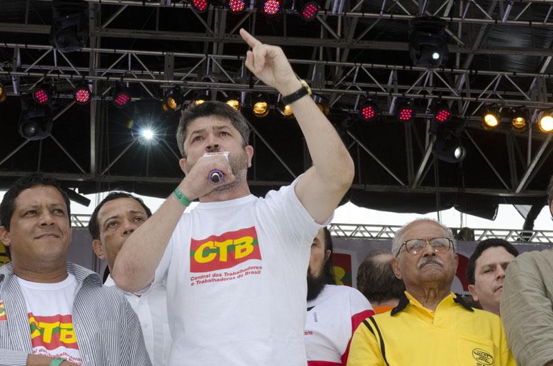 Vicente Selistre: Só com a democracia se combate a corrupção