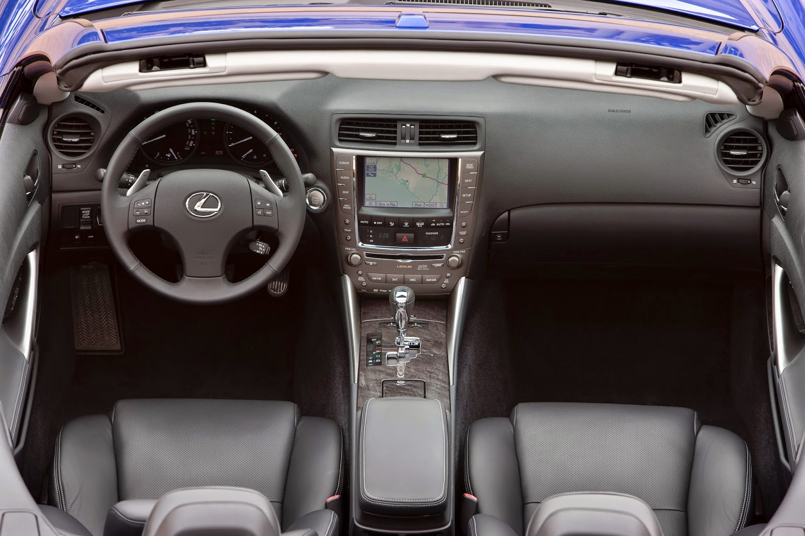 Interior view of 2014 Lexus IS 350C