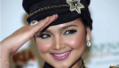Gambar Datuk Siti Nurhaliza Seksi Hot Artis Malaysia Paling Popular