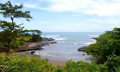 Lokasi Pantai Cicalobak