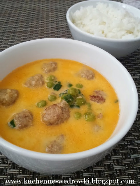 meatball and pea curry