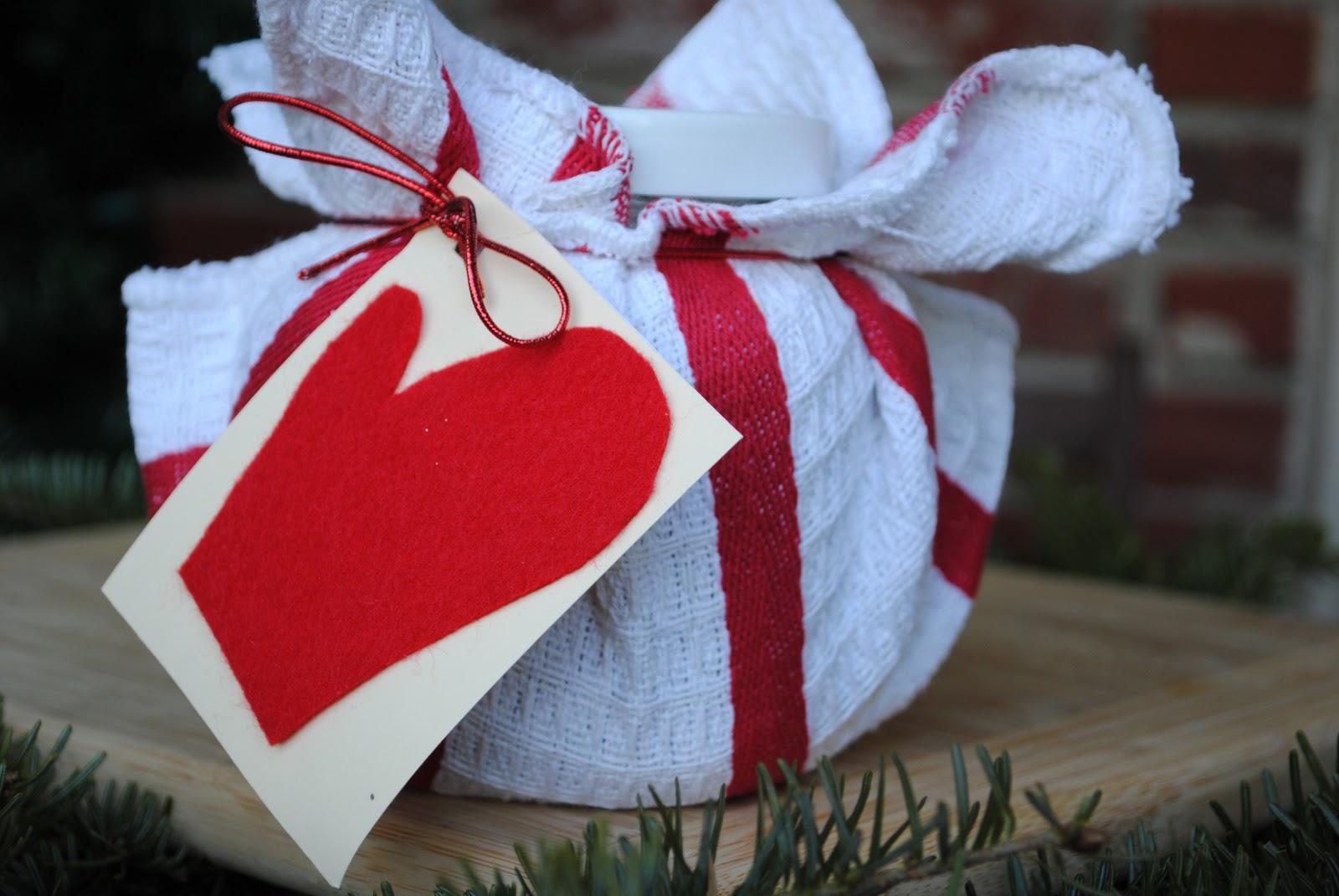 Homemade Christmas Gift: Hot Cocoa Kit
