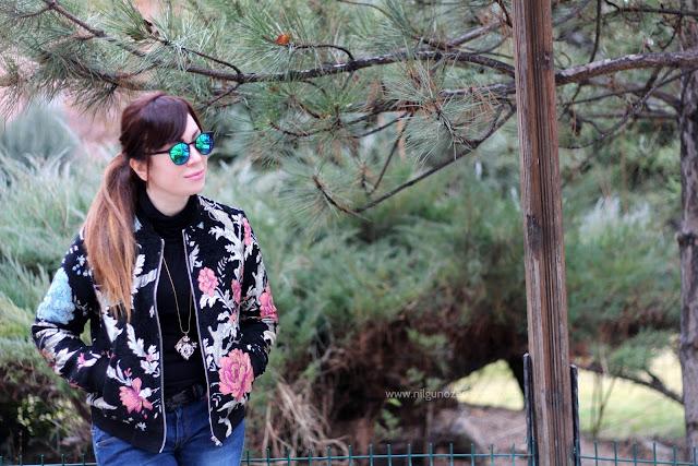 www.nilgunozenaydin.com-moda blogu-moda blogları-fashion blogger-floral jacket-brokar mont