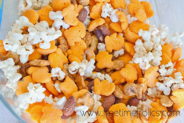 goldfish puffs snack mix goldfish puffs mega cheese flavor