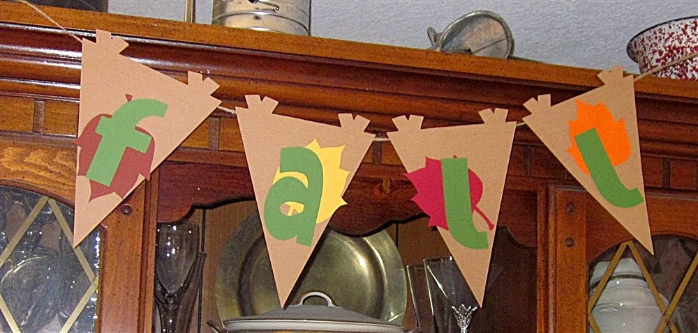 Fall Twine Maple Leaf Banner