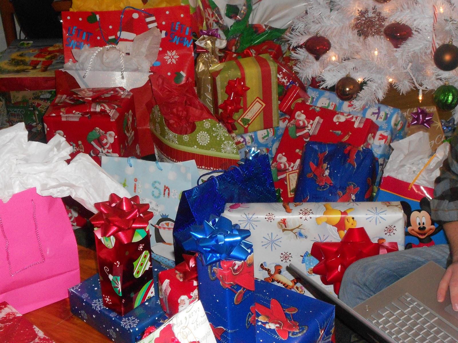http://3.bp.blogspot.com/-53qw9vePSZY/Tvf39YiO3mI/AAAAAAAAERM/KYtPpCTcT48/s1600/Christmas+2011+077.JPG