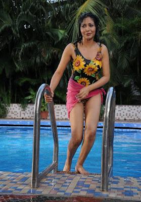 unknow from yen intha mayakkam movie actress pics