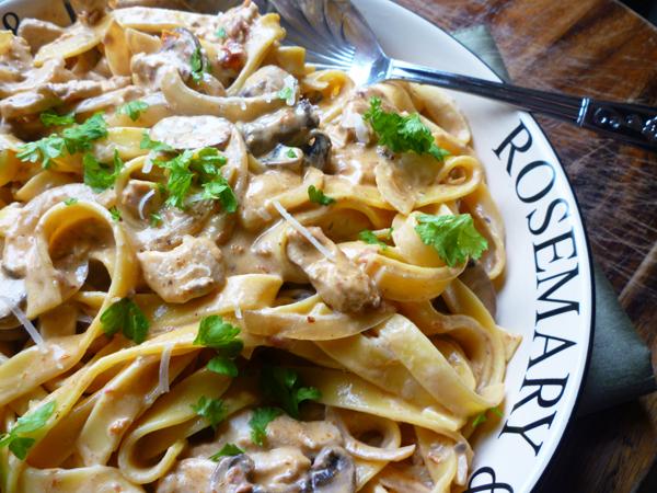 pasta pollo opskrift