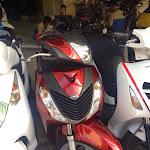 Cửa hàng cần bán xe SH Việt Nam 150i tháng 9/2011 màu đỏ.Máy zin 100%.Xe rất đẹp.