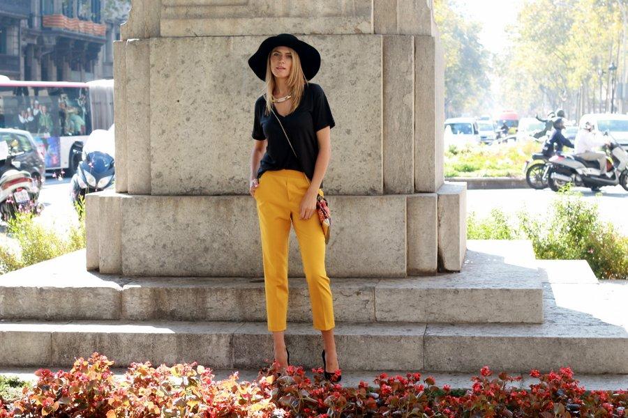 Look boho-chic en negro y amarillo