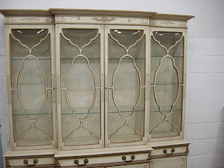 Newport Avenue Antiques EXQUISITE PAINTED CHINOISERIE BUBBLE GLASS CHINA CAB