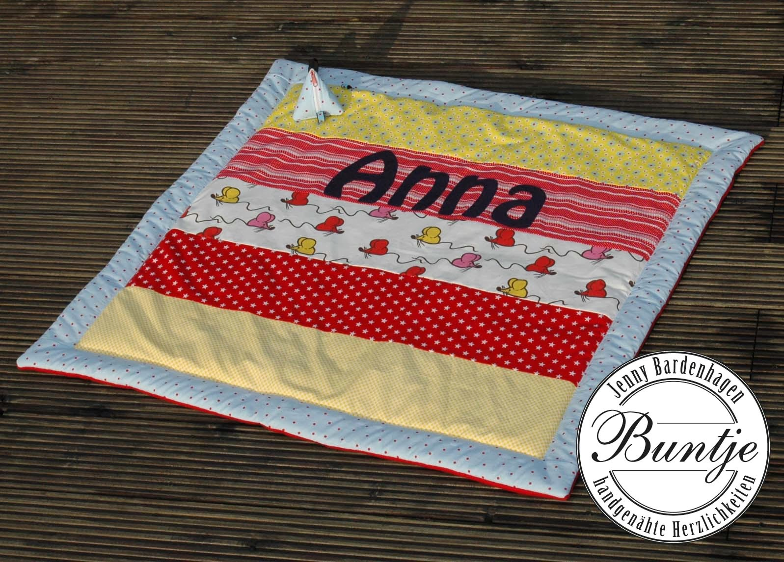 Krabbeldecke Decke Baby Mädchen Name Geschenk Geburt Taufe rot gelb hellblau Mäuse Tiere Baumwolle Fleece dick handmade Nähen Buntje