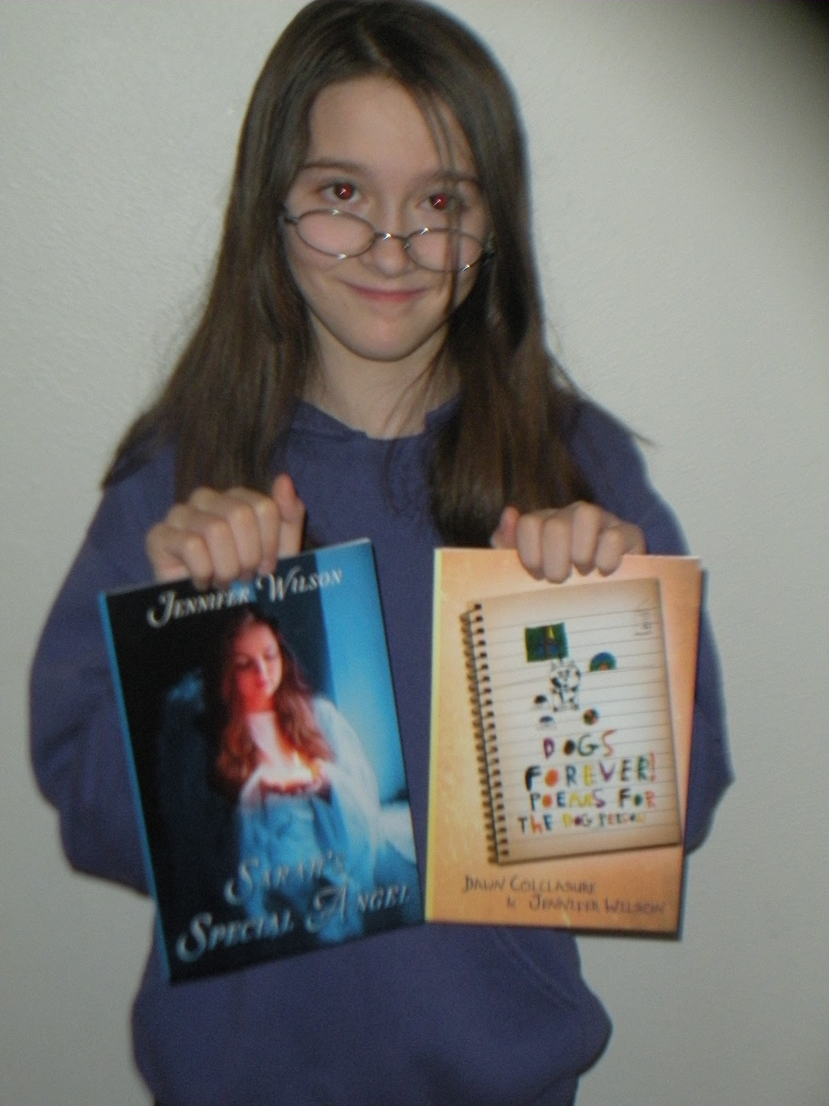 http://3.bp.blogspot.com/-554RtDU_Ue0/UOEKu_8ioNI/AAAAAAAABhc/ZZDxV795IfE/s1600/Jen+with+her+books+2012.JPG