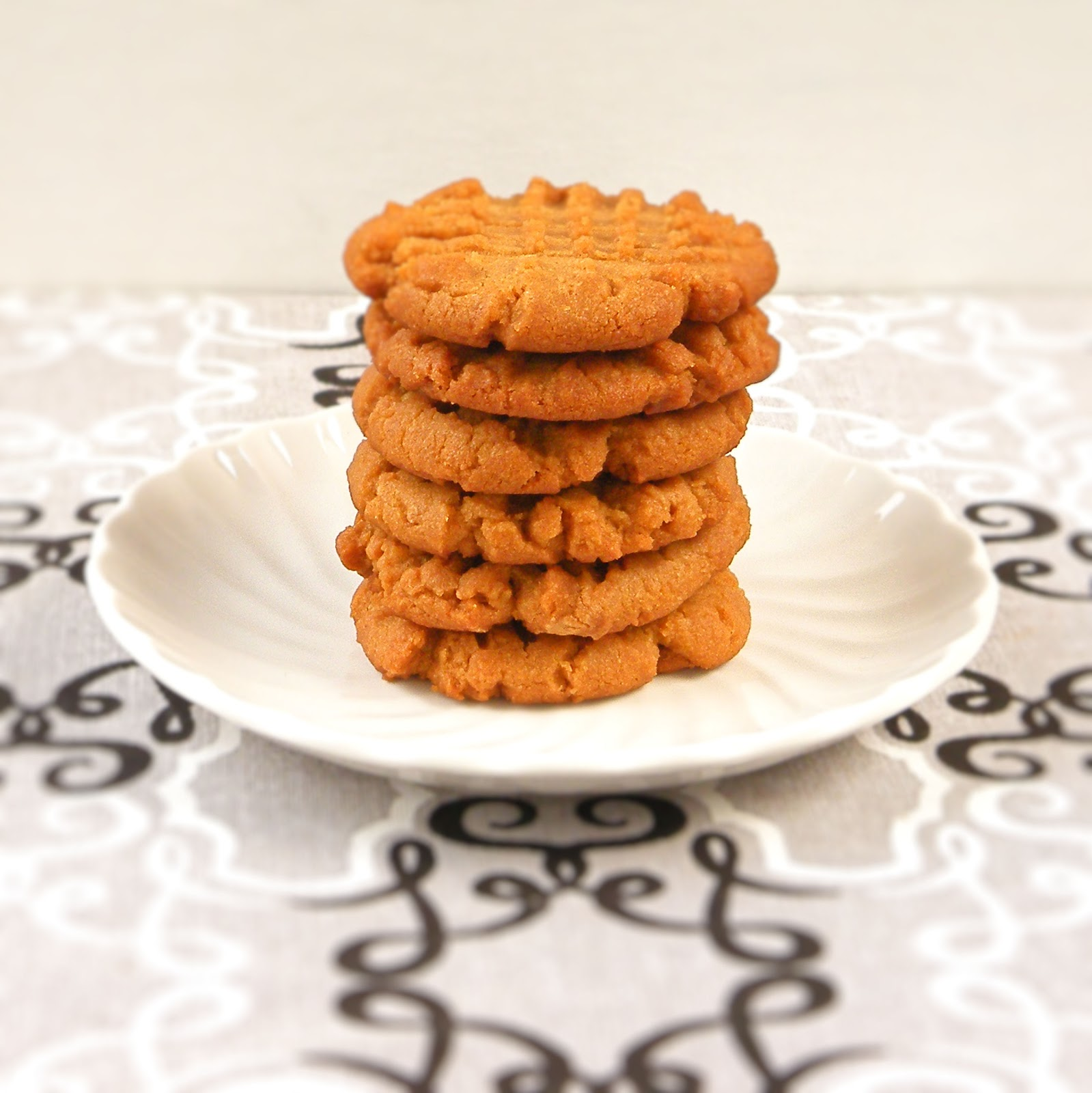 Vittles and Bits: Flourless Peanut Butter Cookies