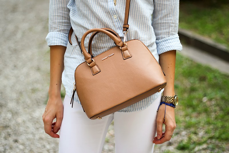 ripped white jeans, striped shirt, casual summer outfit, Mango mini bag