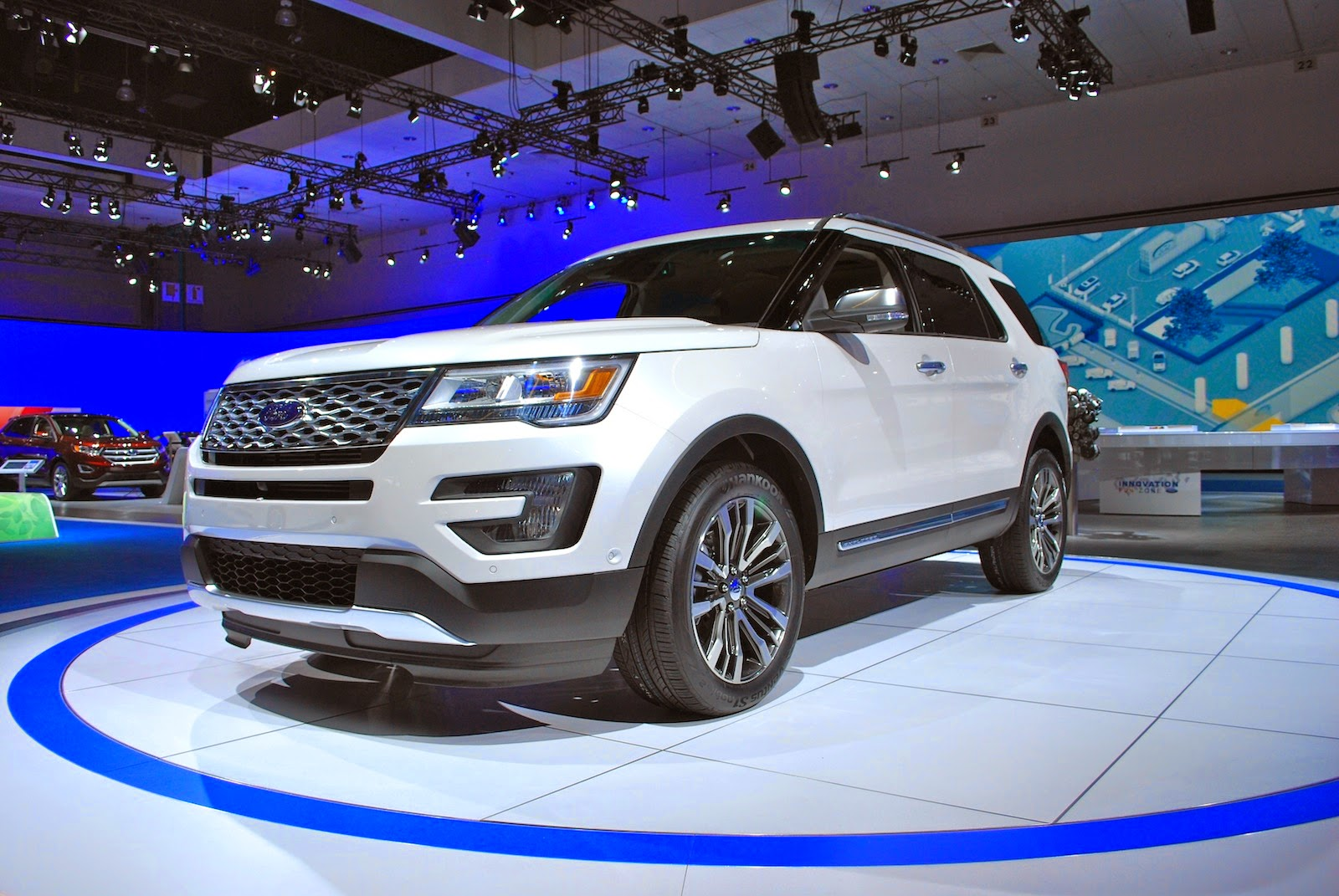 2016 ford explorer platinum might as well call it the eddie bauer. Black Bedroom Furniture Sets. Home Design Ideas
