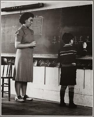 hey teacher live the kids alone: