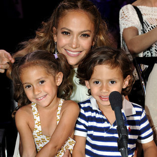 Jennifer Lopezchildren on Jennifer Lopez And Her Twins Max And Emme  Photo Of The Day