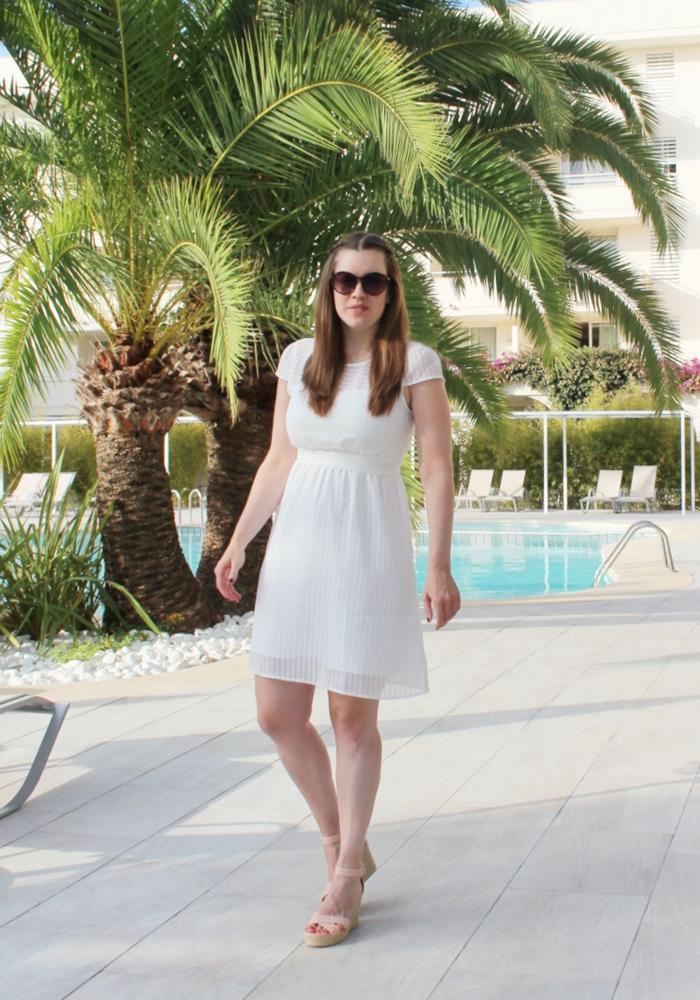 La Mode et Moi, Modeblog Köln, Fashionblog Cologne, white Dress, white Summerdress, Mint & Berry Kleid, summerlook, preppy Summerlook, #kölnbloggt, Fashionblogger, Bloggerfashion