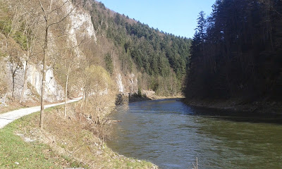 Ścieżka rowerowa wzdłuż Dunajca