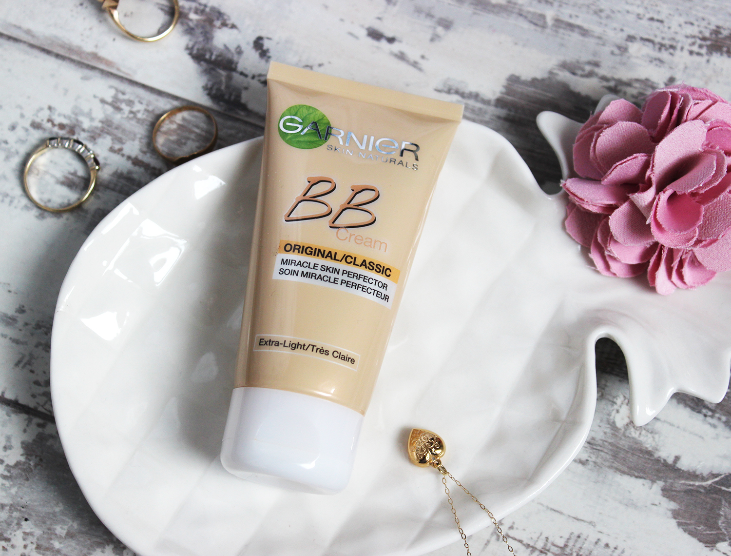 Garnier BB Cream Extra light reviewed by pale faced beauty blogger - product shot
