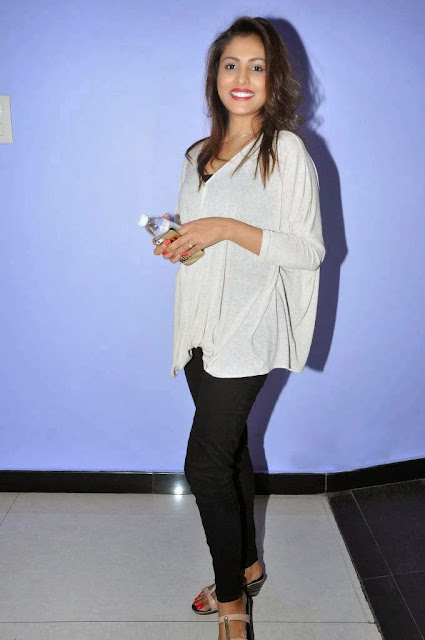 Actress Madhu Shalini Picture Gallery at Ladies And Gentlemen Movie Preview Show 10.JPG