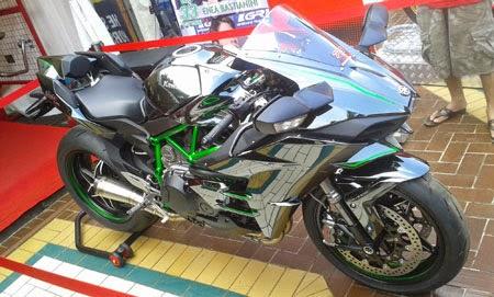 Kawasaki Ninja H2 dengan knalpot R9