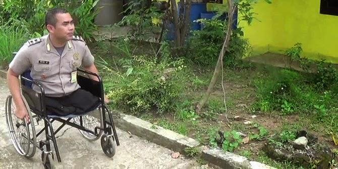 Polisi di Bandung ini bertugas tanpa kedua kaki