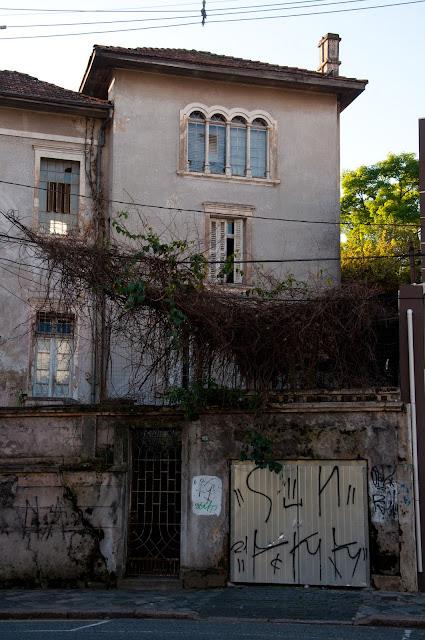 A casa misteriosa do Batel