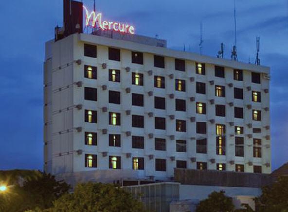 Alamat Telepon Tarif Hotel Mercure Surabaya