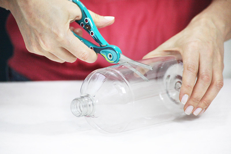 enfeites para jardim passo a passo:DIY Plastic Bottle Vase
