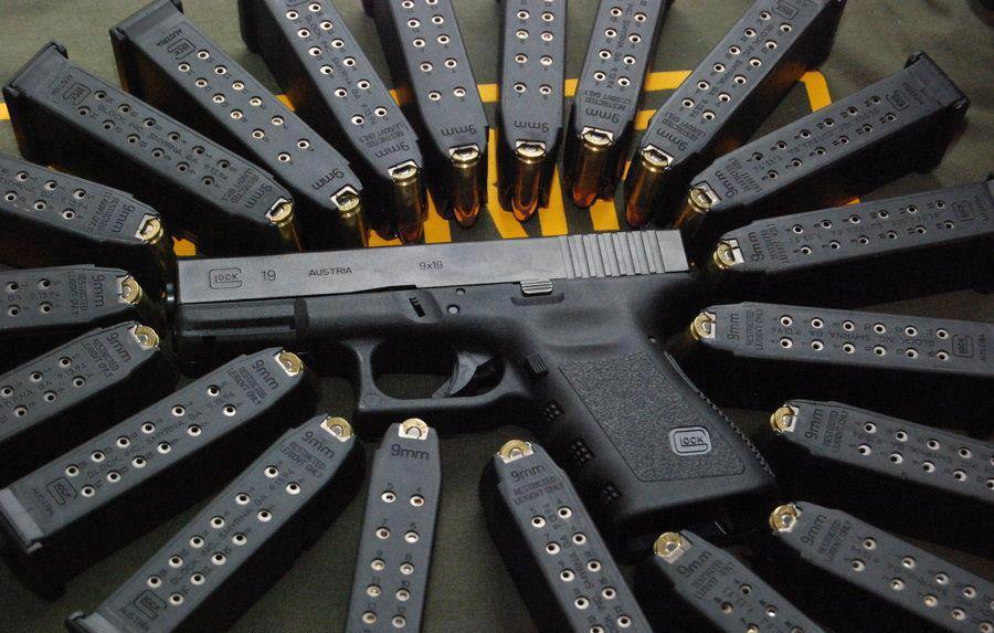 Glock Calendar Wallpaper : Weapon guns wallpaper fancy gun