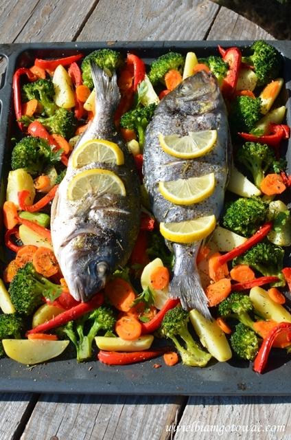 Dorada z warzywami (Ryba pieczona na warzywach)