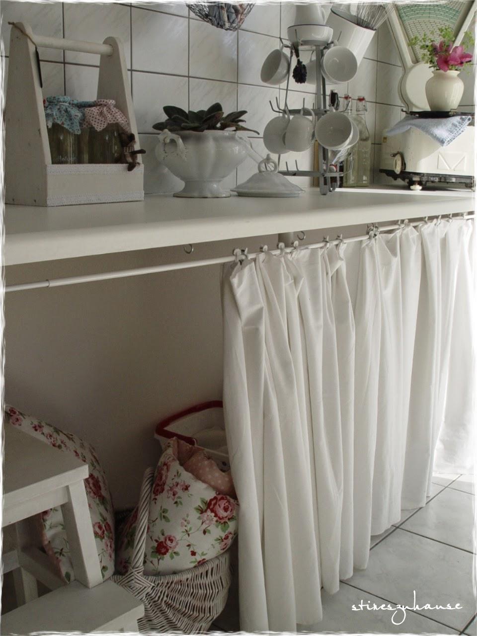 Kuche arbeitsplatte vorhang for Fertige kuchenzeile