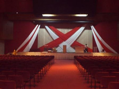 Feb 27 2011 Stage Backdrop Design Red And White Drapes At The Feast