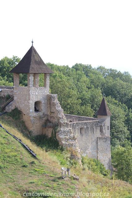hradní nádvoří // castle courtyard